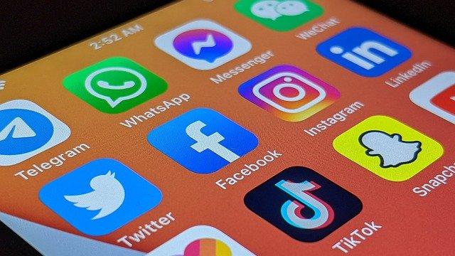 Médias sociaux et santé mentale